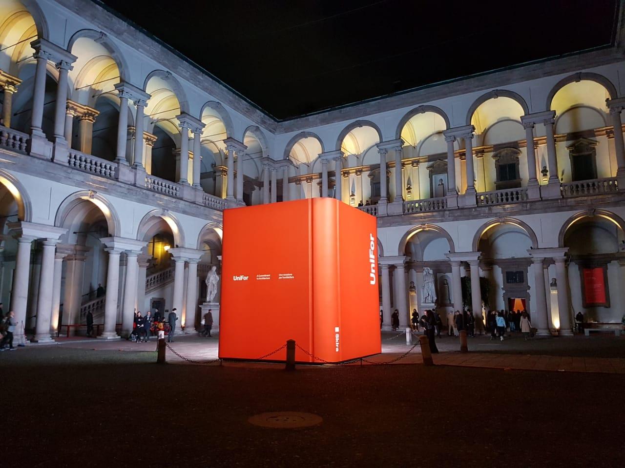 La empresa Uniform cumplió 50 años y festejó en la pinacoteca di Brera en Milan
